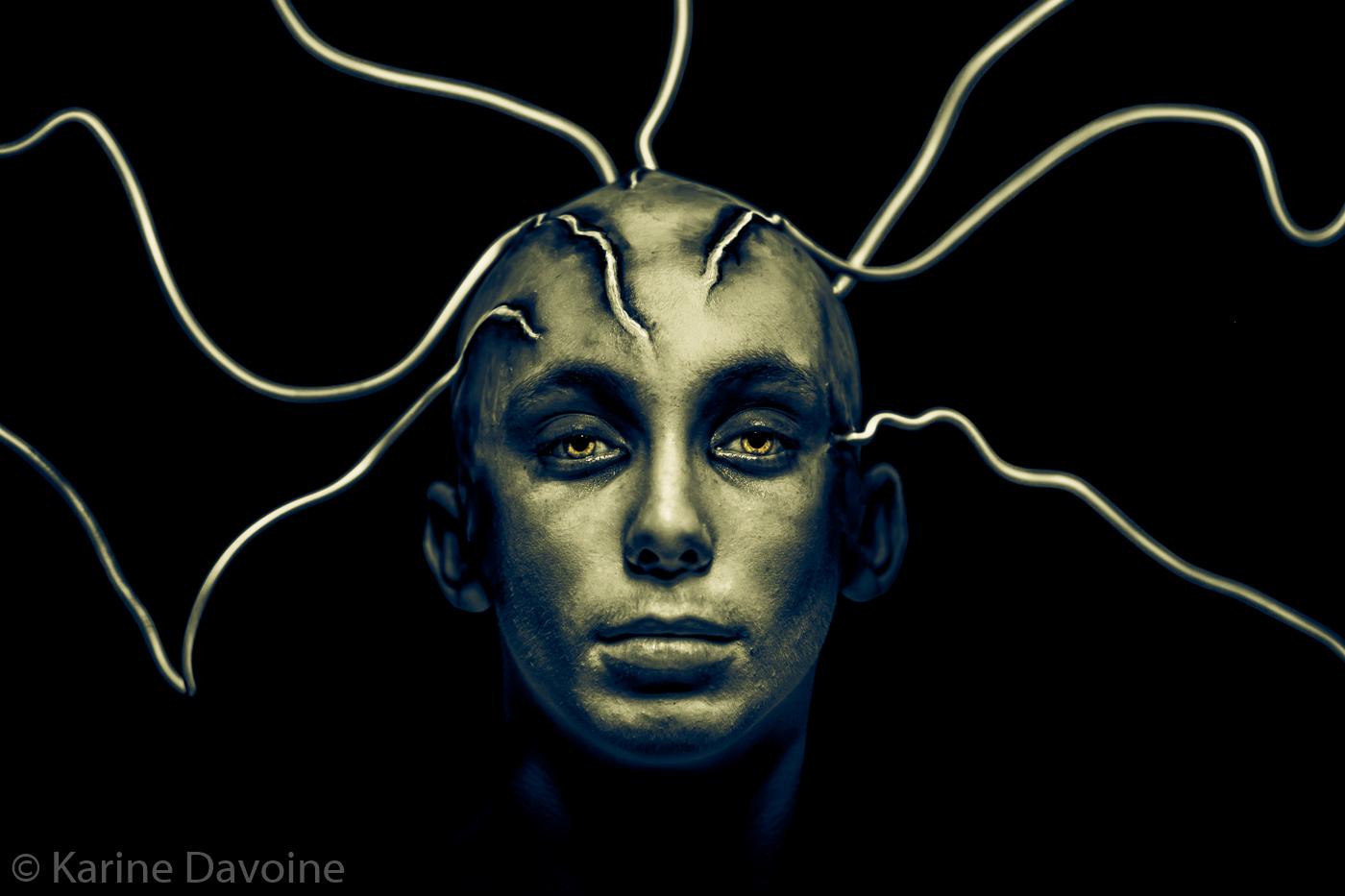 portrait-monochrome-gorgone-connexion Déconnectée Photographie